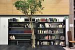 Ο Πρύτανης της ΑΣΚΤ μάς ξεναγεί στη νέα Βιβλιοθήκη της Καλών Τεχνών (elculture.gr)