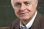 Την κορυφαία διάκριση Norbert Wiener Prize για το 2016 απέσπασε ο Έλληνας καθηγητής Κωνσταντίνος Δαφέρμος